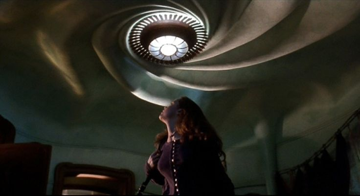 Gaudi-inspired ceiling in the movie Caspar